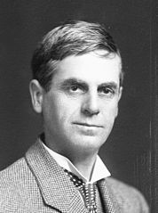 Thomas Edward Taylor crop, 1910.jpg
