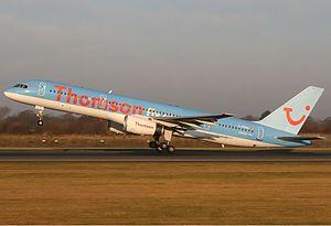 Thomsonfly Boeing 757 Spijkers.jpg