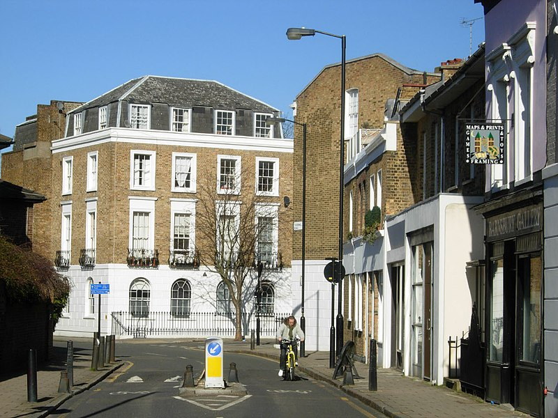 File:Thornhill Road, Barnsbury - geograph.org.uk - 1738210.jpg