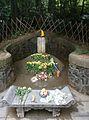 Tomb of Mao Yichen.jpg