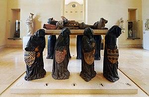 Thorey-sur-Ouche et le Tombeau de P.POT dans Bourgogne 300px-Tomb_of_Philippe_Pot%2C_Right_Side_-_Louvre%2C_Room_10