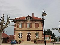 Town hall of Tramoyes.JPG