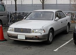 Toyota CROWN MAJESTA (S140) front.JPG