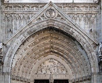 English: Tympanum of Door of Forgiveness, Cath...