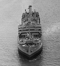 USS Enoree (AO-69) underway near Norfolk, Virginia (USA) on 17 May 1943.jpg