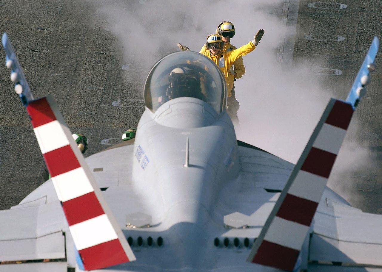 file us navy 071210 n 7571s 003 aviation boatswain s mate handler rh commons wikimedia org navy abh manual pdf navy abh manual pdf