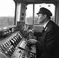 V43 villanymozdony vezetőállása. A felvétel a Vác-Szob vasútvonal villamosításának átadásakor 1971. december 22.-én készült. Fortepan 87570.jpg