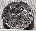 Vespasiano, denario, 69-79 ca. 03.JPG