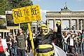 Vicent-van-Volkmer-Bienen-Aktivist-Demo-29.08.2020 Berlin Covid-19 Pandemie.jpg