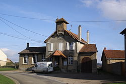 Villers-devant-Mouzon - la Mairie - Photo Francis Neuvens lesardennesvuesdusol.fotoloft.fr.JPG