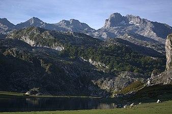Vistas lagos de covadonga 02.jpg