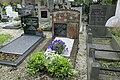 Voorbeelden van materiaalgebruik op de begraafplaats- graniet, baksteen en hardsteen - Lent - 20413200 - RCE.jpg
