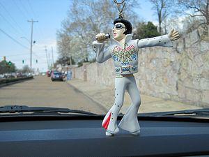 English: Wackel-Elvis at Graceland Mansion on ...