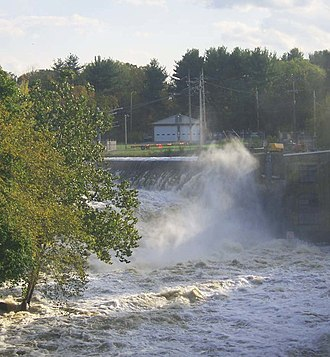 Wallkill River - Dam, falls and NYSEG power station at Walden, seen here after heavy rainfall in October 2005