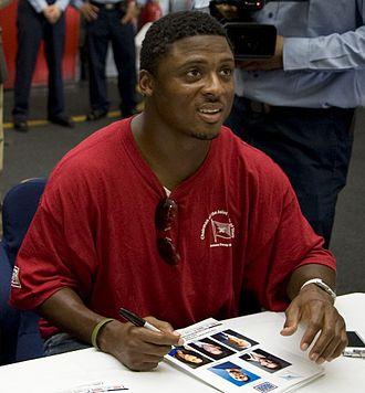 Warrick Dunn - Dunn signing autographs in 2009