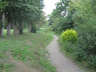 Watling Park - Image: Watling Park path
