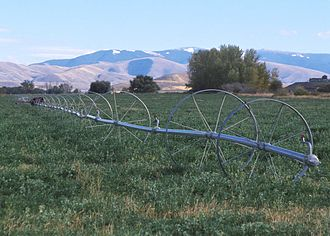 Wheel line irrigation system in Idaho, 2001 WheelLineIrrigation.JPG