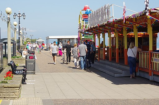 Worthing Seafront-geograph-5417864-by-Stephen-McKay