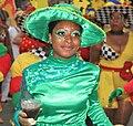 Zwarte vrouw tijdens het zomercarnaval in Rotterdam.jpg