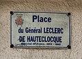 Étaples - Place du Général Leclerc-de-Hautecloque.jpg