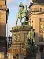 Памятник Густаву II Адольфу у оперного театра - panoramio.jpg