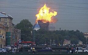 Троице-Измайловский собор горит 25 августа 2006 года.jpg