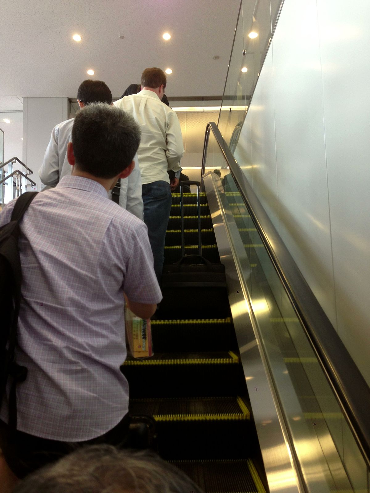 escalator etiquette wikipedia