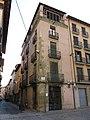 049 Casa Ramon Bosch, pl. Sants Màrtirs 15 - c. Sant Pau (Vic).jpg