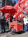1. Mai 2013 in Hannover. Gute Arbeit. Sichere Rente. Soziales Europa. Umzug vom Freizeitheim Linden zum Klagesmarkt. Menschen und Aktivitäten (073).jpg
