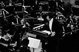 Michel Plasson - Michel Plasson conducting Fidelio in Toulouse, 1975.