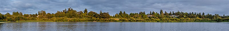 120 degrees panorama of Swan Lake, Saanich, British Columbia, Canada.jpg
