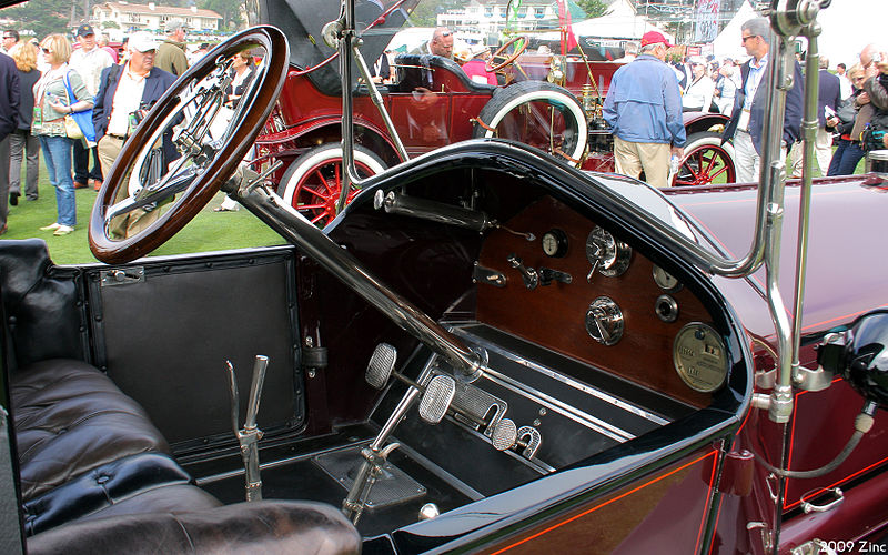 File:1913 National Series V-N3 Toy Tonneau - int.jpg