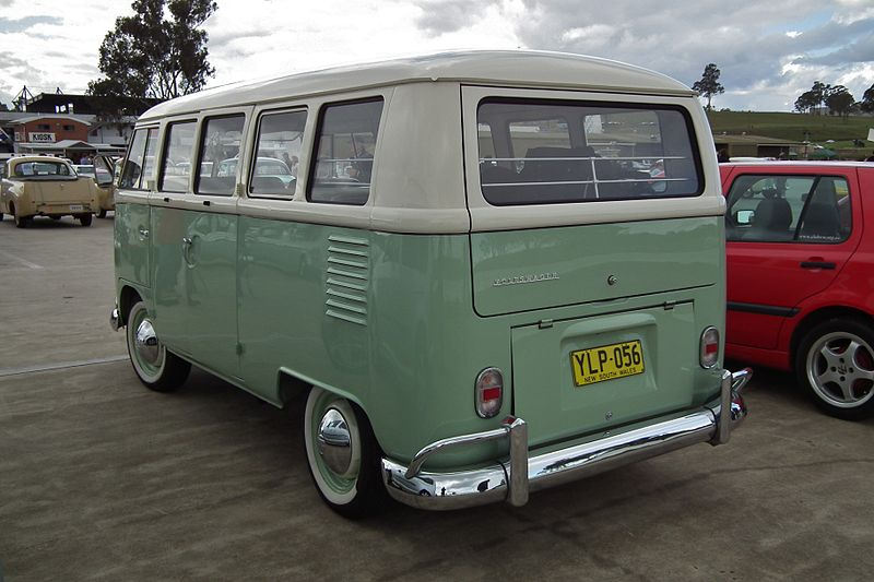 1964 Volkswagen T1 Transporter Kombi bus (6106456722).jpg
