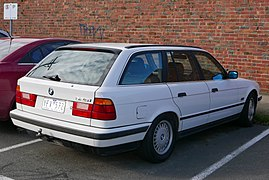 BMW 5 Series (E34) - Wikipedia