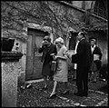 "2.11.66. La reine du Danemark au ""Cayrou"" à Albas (Lot) (1966) - 53Fi5559.jpg"