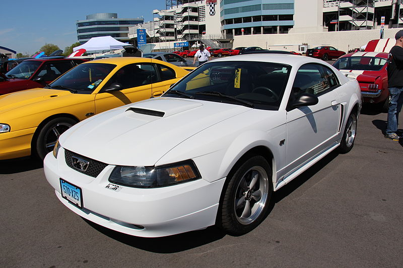 File:2000 Ford Mustang GT Coupe (14235434679).jpg
