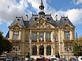 2011 Town hall of Suresnes front.jpg