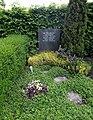 20200515100DR Dresden-Dölzschen Friedhof Grabmal Milde.jpg