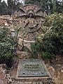 210 Tomba Monegal, amb creu cèltica.jpg