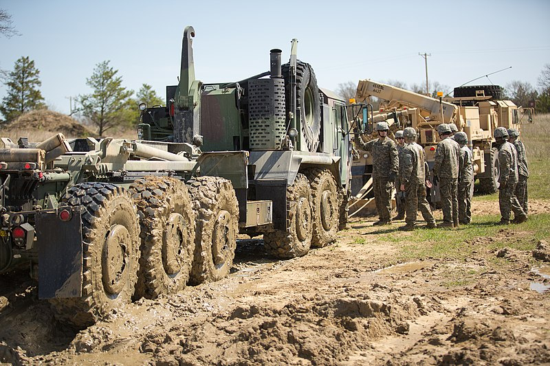 File:443rd vehicle recovery at Fort Mccoy 140510-A-TW638-583.jpg