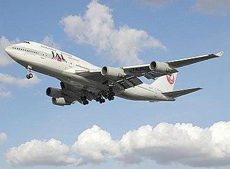 2001 Japan Airlines mid-air incident - Image: 800pix.jal.b 747 400.ja 8079
