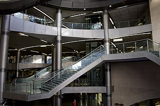 Saint-Lazare (Paris Métro) - Image: AX Saint Lazare Interior 20080714