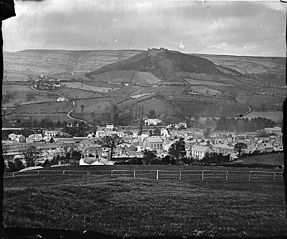 A view of Llangollen from Fron