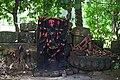 Aatbaichandi-Idol-remains-of-temple 02.jpg