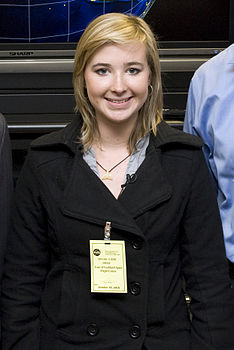Abby Sunderland at Goddard cropped.jpg