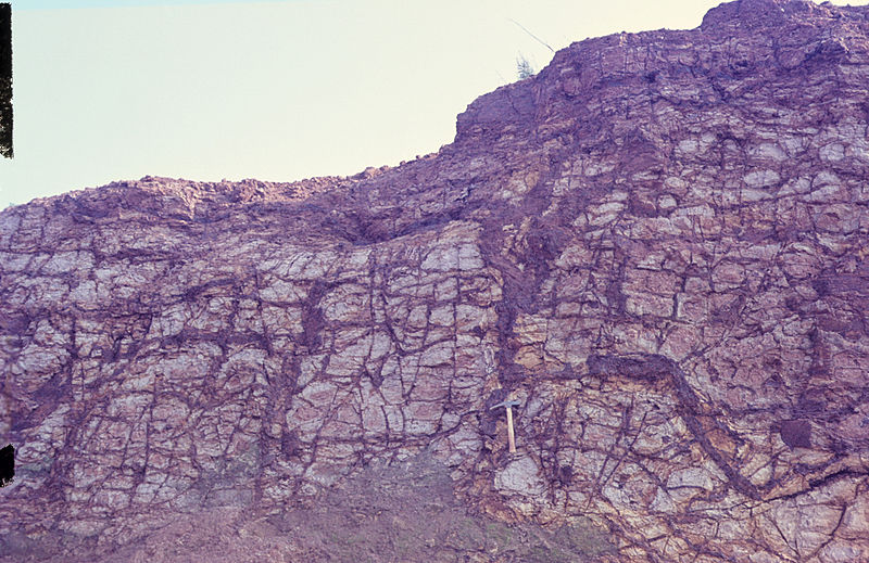 File:Absolute iron accumulation in kaolinized basalt. C 015.jpg