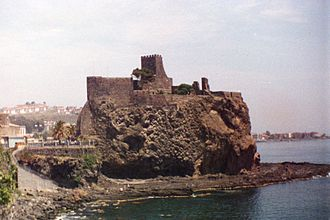 Aci Castello - Panoramic view of the Norman castle of Aci Castello in 1990.