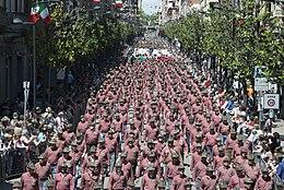 Adunata nazionale degli alpini - Wikipedia e2744afa19d1