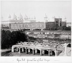 Agra Fort, Genral View of Pearl Mosque LACMA M.90.24.29.jpg