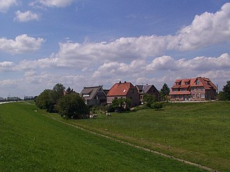 Altengamme - Some houses at the old dike at Altengamme